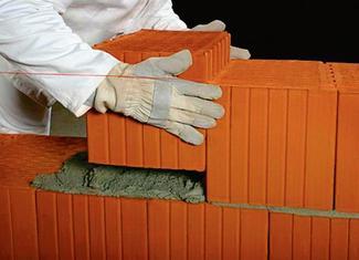 Zaprawy murarskie: murowanie ściany z pustaków ceramicznych