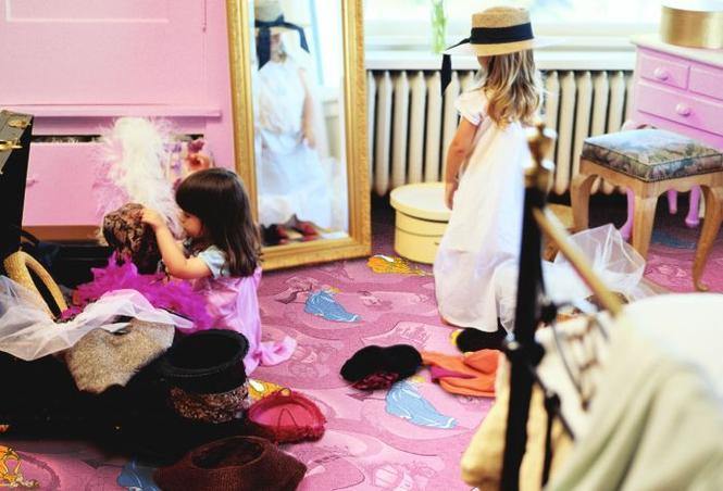 Wygodny pokój dla dziecka w każdym wieku. Radzimy, jak urządzić wnętrze dla niemowlaka, przedszkolaka i nastolatka