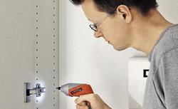 Miniwkrętarka - zastosowania, parametry i wyposażenie miniwkrętarek