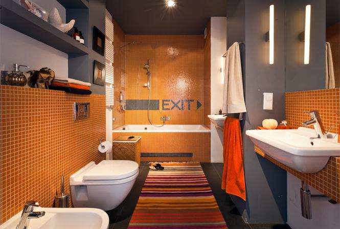 łazienka z oranżem