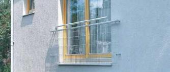 Okna z balustradą. Jak zabezpieczyć portfenetr?