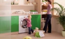 Kiedy dom jest bezpieczny dla dzieci? Jakie wybrać materiały wykończeniowe, meble, sprzęty